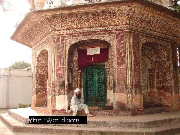Amrit Pal Singh 'Amrit' at Dehra Bibi Punjab Kaur in Darbar Ram Rai Complex, Dehradun